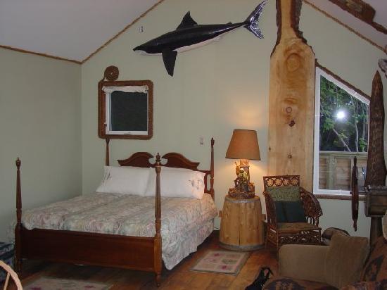 SeaWatch Bed & Breakfast: The Ships Wheel Suite