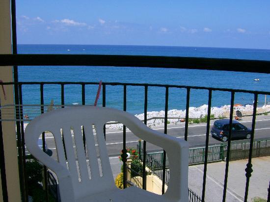 Lion's Hotel : Balconcino