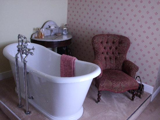 Dux Court B&B: Mandarin Bathroom