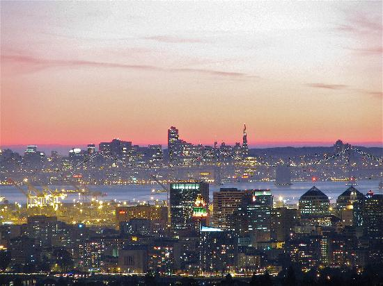Oakland Skyline - Picture Of Oakland  California