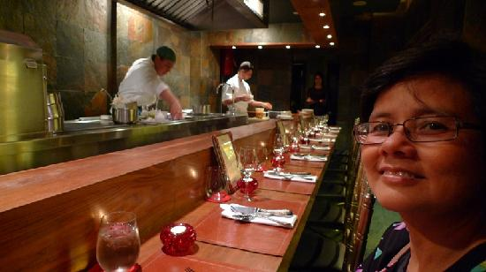 Degustation : Bar seating with food prepared in front of you
