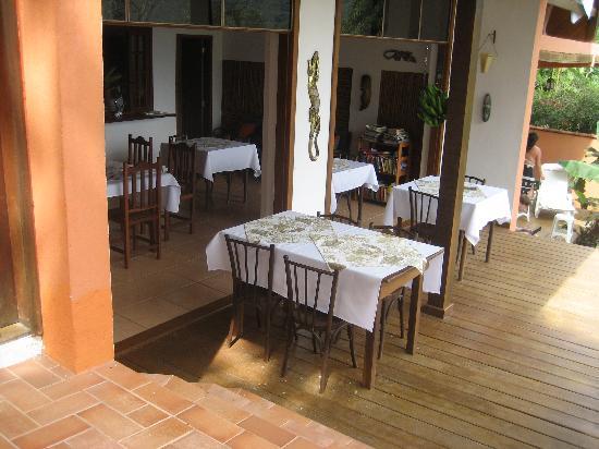 Pousada Tagomago Beach Lodge: Frühstückraum und Restaurant