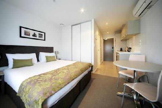 Quest Albany : Studio Apartment - Bedroom