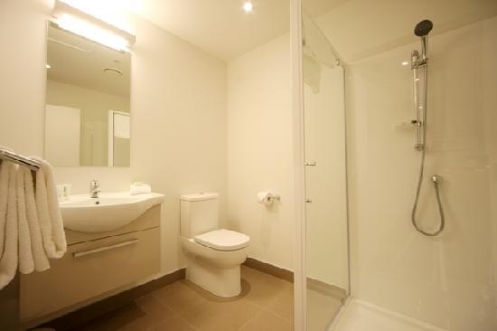 Quest Albany : Ensuite - Bathroom