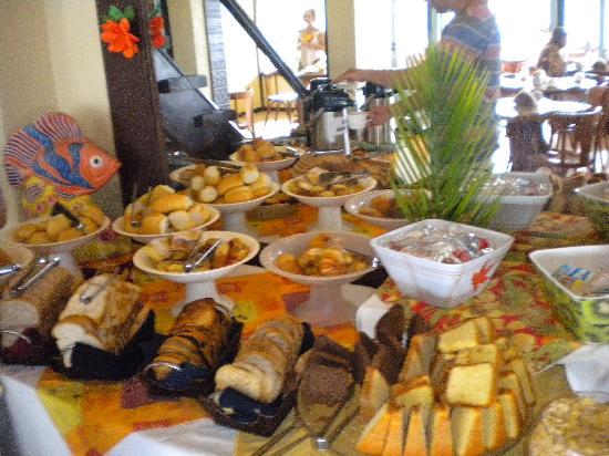 La Boheme Hotel e Apart Hotel: rico desayuno