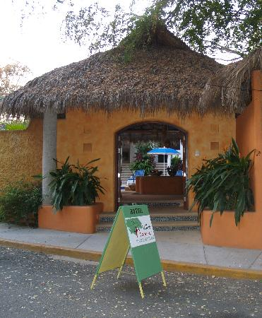 Villas Naomi: Outside entrance