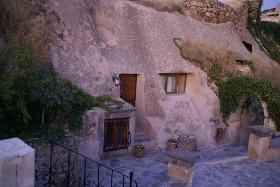 Uchisar Cave Suites Hotel (UCS): our cave room at the UCSH