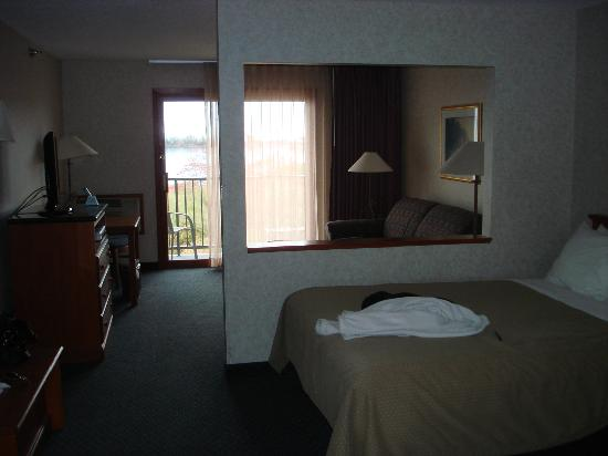 BEST WESTERN Plus Superior Inn & Suites: lovely room