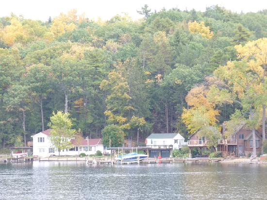 Captain Bill's Seneca Lake: More homes and colourful scenery