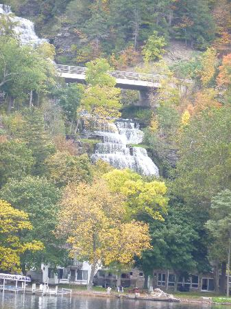 Captain Bill's Seneca Lake: Hector Falls