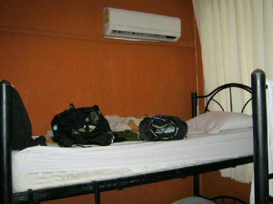 The Urban Age Hostel: I'm one of those randoms that loves the top bunk!