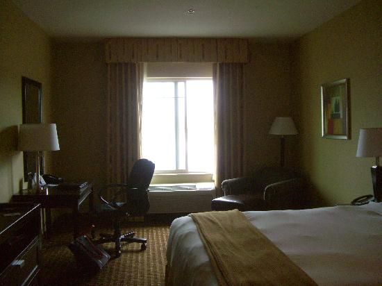 Holiday Inn Express Hotel and Suites Newport: Our room.