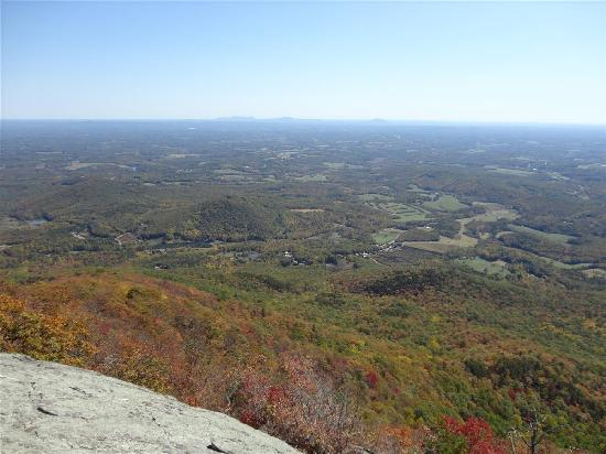 Fiddler's Roost Cabins: View toward North Carolina from the South side of the mountaintop