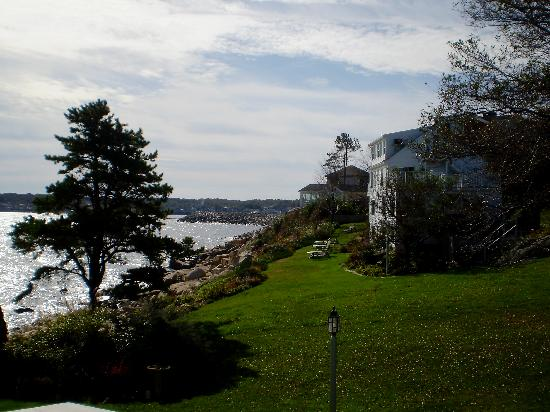 The Quarterdeck Inn by the Sea: The Back of the Inn with lounging area