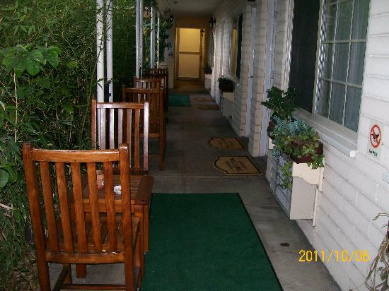 Best Western Cabrillo Garden Inn: Outside our room. The parking lot was on the left but it was very private. A nice place to sit.