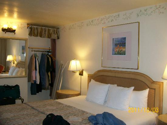 BEST WESTERN Cabrillo Garden Inn: Here is our room - small but nice