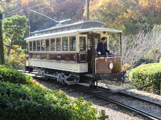 Museum Meijimura: 運休中の京都都電