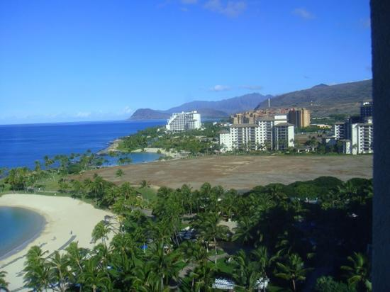 Marriott Ko Olina Beach Club: View of the neighbors.