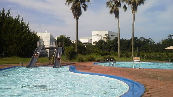 Hotel Bay Grand Kunisaki: Wading pool with two slides