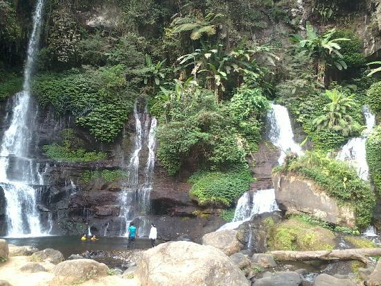 Garut, Индонезия: orok water fall