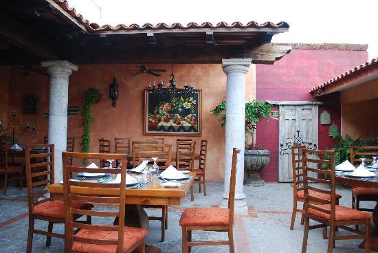 Meson Del Angel : Rear of patio.