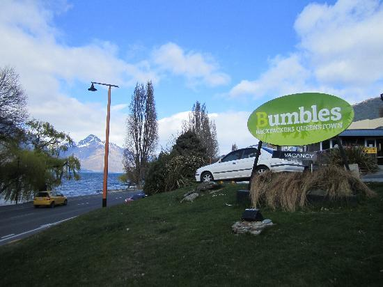 Bumbles Backpackers: Bumbles Backpacker Queenstown