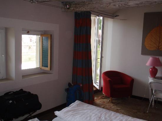 Hôtel Les Pages : Our room