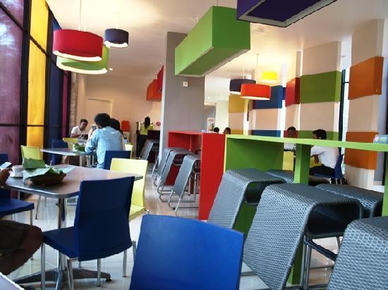 POP! Hotel Teuku Umar Denpasar: Eating Place in Hotel