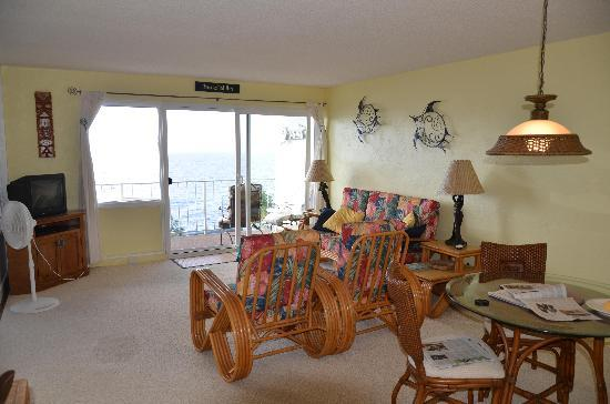 Sunset Kahili Condos: Living Area in 506