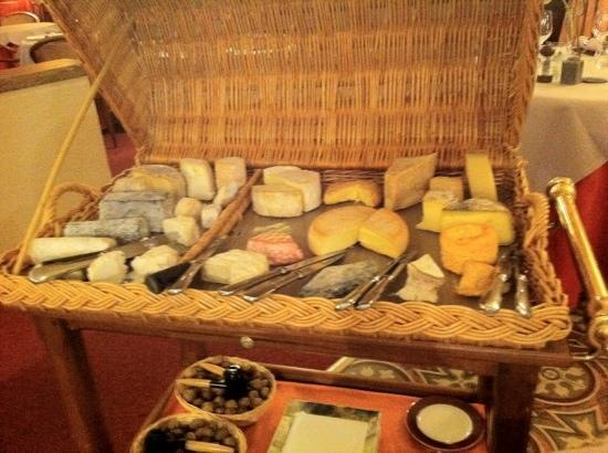 "Vault-de-Lugny, France : don't say ""no"" to the cheese platter"