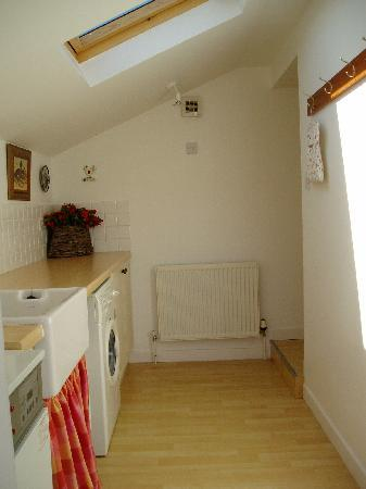Mossyard Holiday Cottages: Threaby Cottage Utility Room