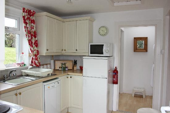 Mossyard Holiday Cottages: Threaby Cottage Kitchen