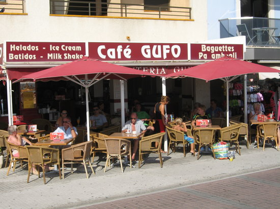 Cafe Gufo: Von Aussen