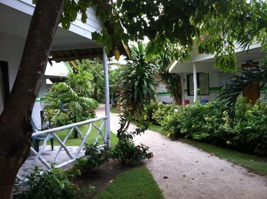 ไลม์ เอ็น โซดา บีชฟร้อนท์ รีสอร์ท: clean resort