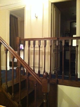 Hotel de la Tremoille: upstairs