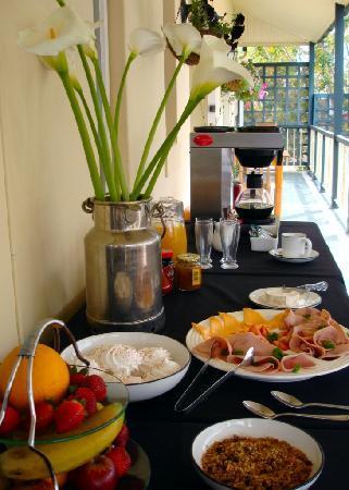 Wayside Inn: Breakfast