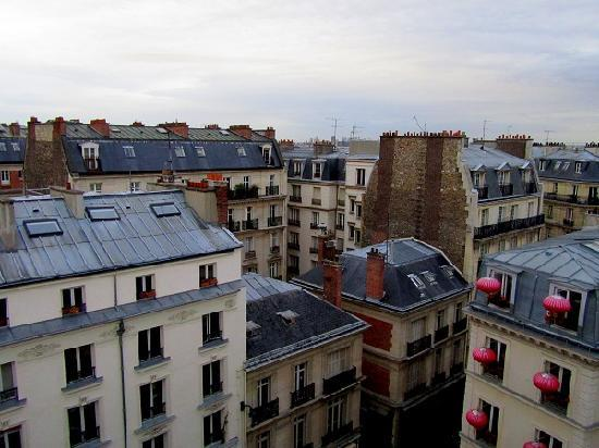 Hotel De Paris Saint Georges : View from top floor room