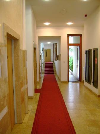 Paradise Apartments: Paradise Entrance