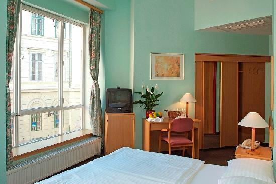 Photo of City Hotel Pilvax Budapest
