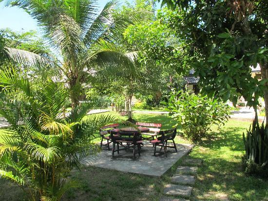 Luang Prabang Paradise Resort: ground