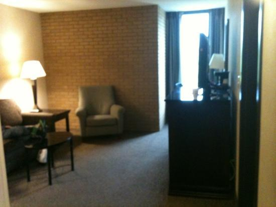 Drury Inn & Suites Louisville East: chillin!