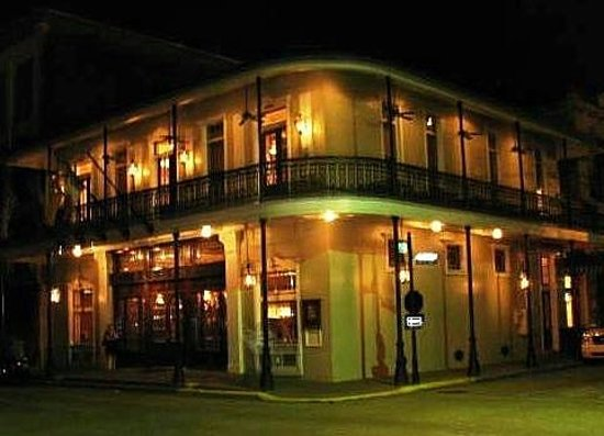 Thibodaux, LA: Fremin's at Night