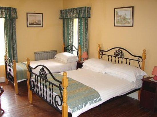 The Pilgrims Rest Hotel: A Delightful Family Room