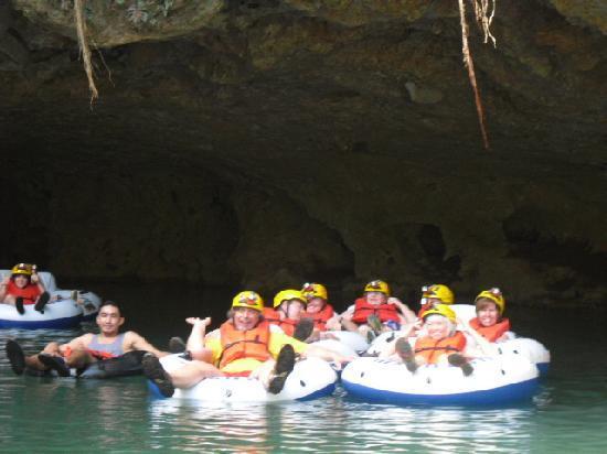 V.i.V. Tours : floating through the caves