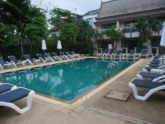 Centara Kata Resort Phuket: 3rd pool in front of Spa