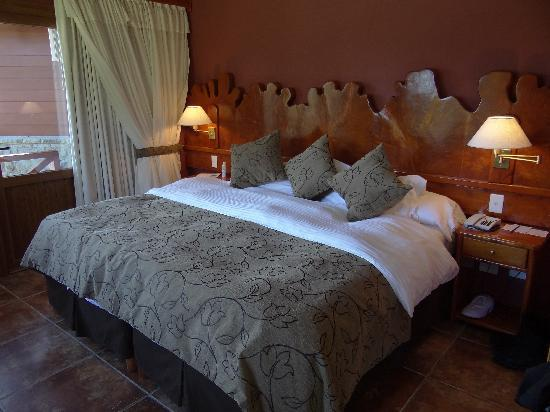 Charming Luxury Lodge & Private Spa: Comfortable bed