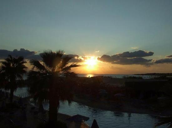 Sandy Beach Resort: sunset from our room