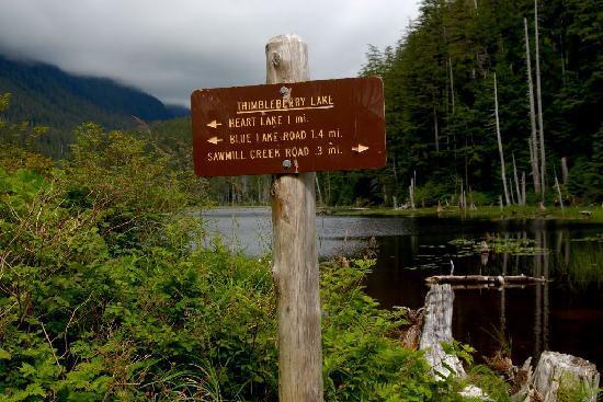 Heart Lake Trail : Thimbleberry Lake trail sign