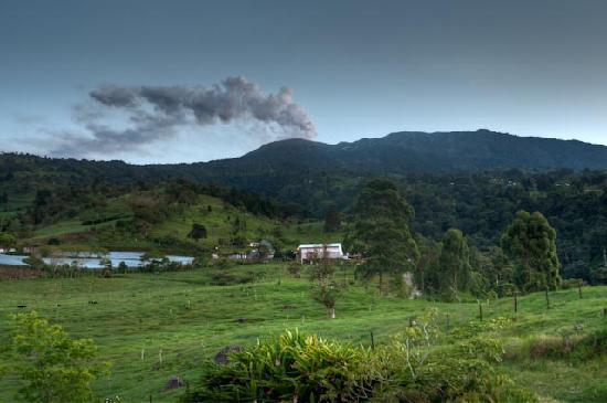 Hotel Guayabo Lodge: Zimmeraussicht auf den Vulkan Turrialba