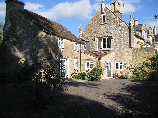 Norburton Hall: Dairy Cottage